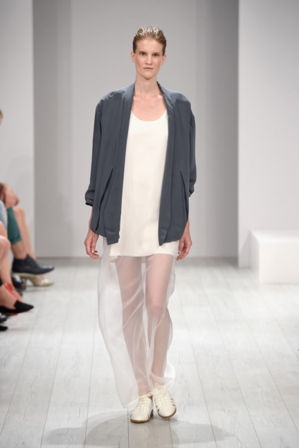 isabell-de-hillerin-mercedes-benz-fashion-week-berlin-spring-summer-2015-15