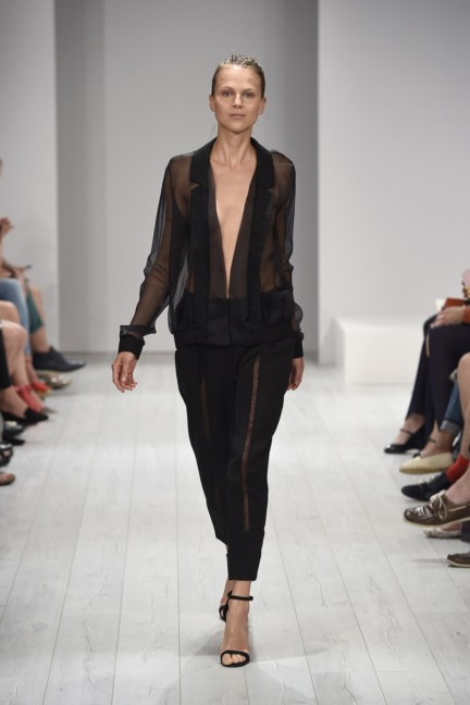 isabell-de-hillerin-mercedes-benz-fashion-week-berlin-spring-summer-2015-19