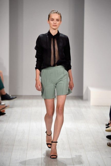 isabell-de-hillerin-mercedes-benz-fashion-week-berlin-spring-summer-2015-21