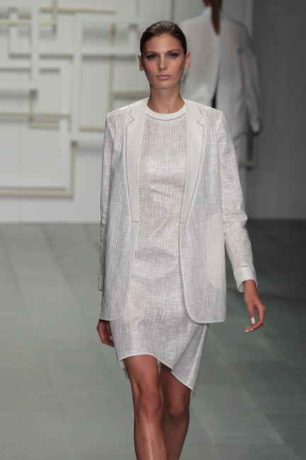 j-js-lee-london-fashion-week-spring-summer-2015-18