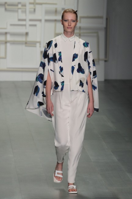 j-js-lee-london-fashion-week-spring-summer-2015-33
