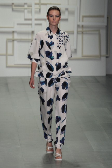 j-js-lee-london-fashion-week-spring-summer-2015-39