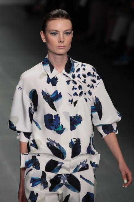 j-js-lee-london-fashion-week-spring-summer-2015-40