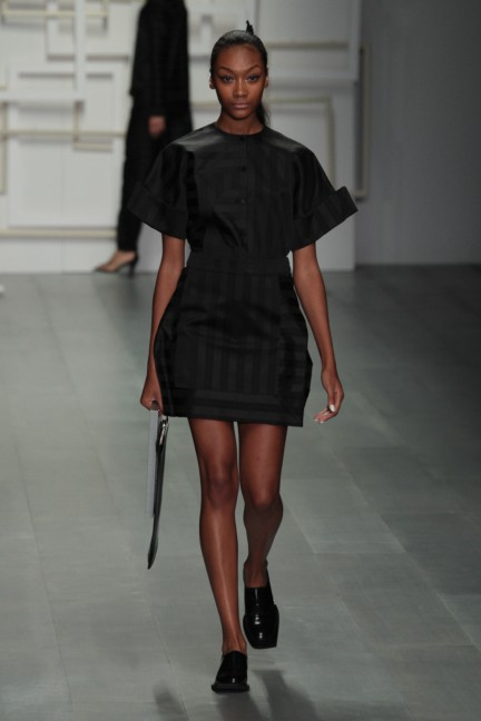 j-js-lee-london-fashion-week-spring-summer-2015-51