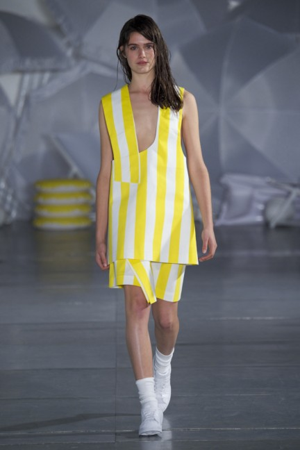 jacquemus-paris-fashion-week-spring-summer-2015-28