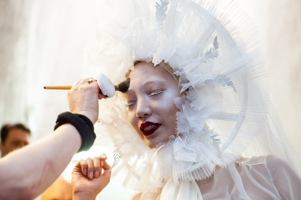 jean-paul-gaultier-haute-couture-aw-16-backstage-17