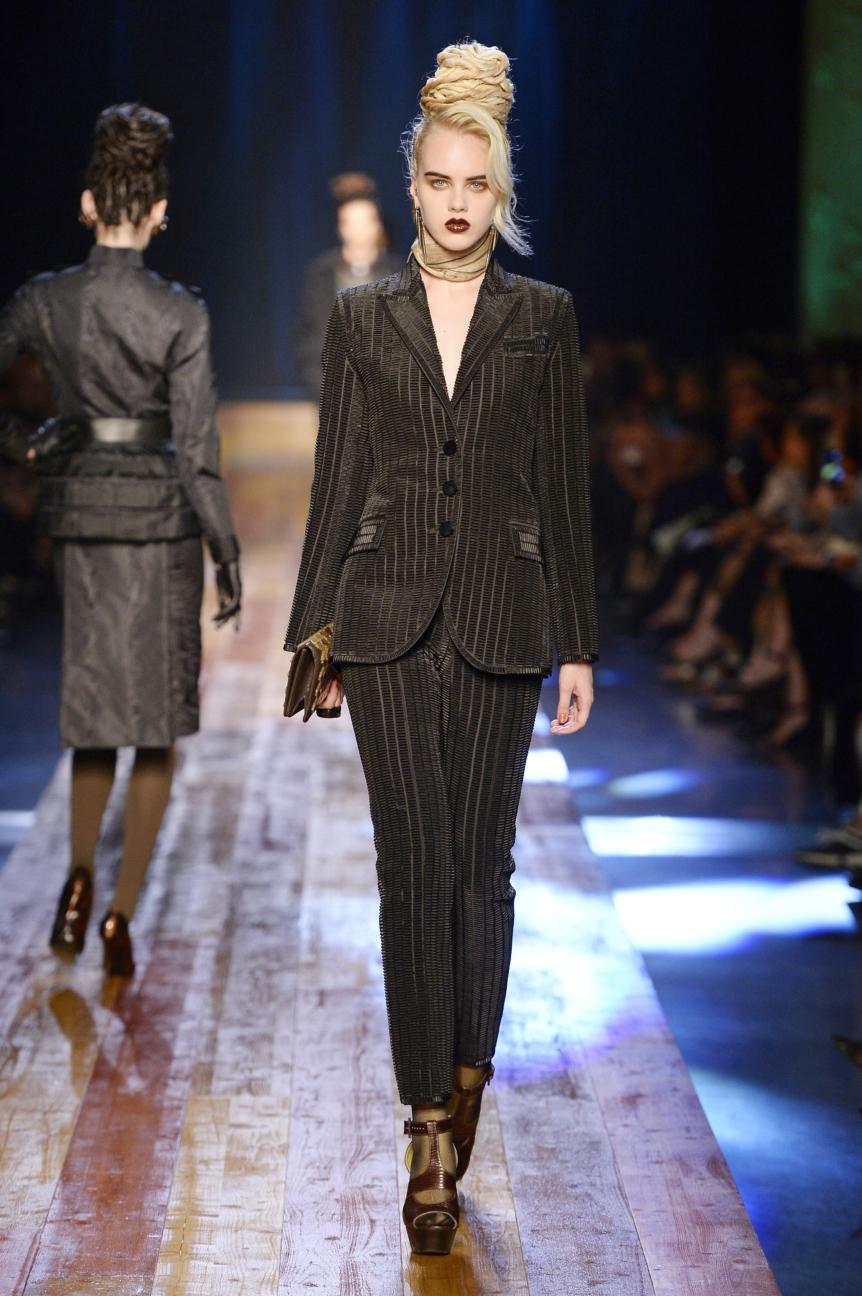 jean-paul-gaultier-haute-couture-aw-16-runway-21