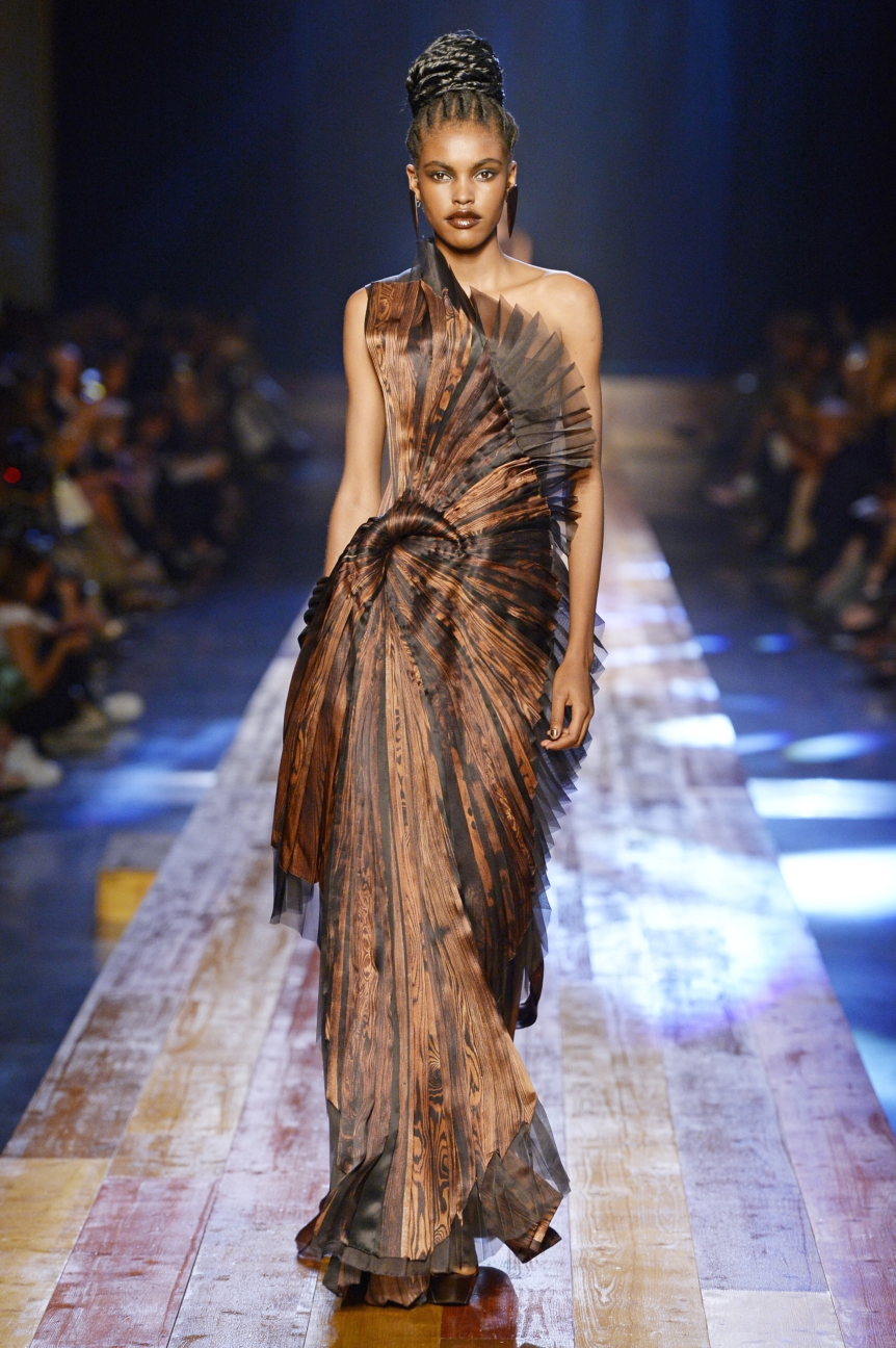 jean-paul-gaultier-haute-couture-aw-16-runway-38