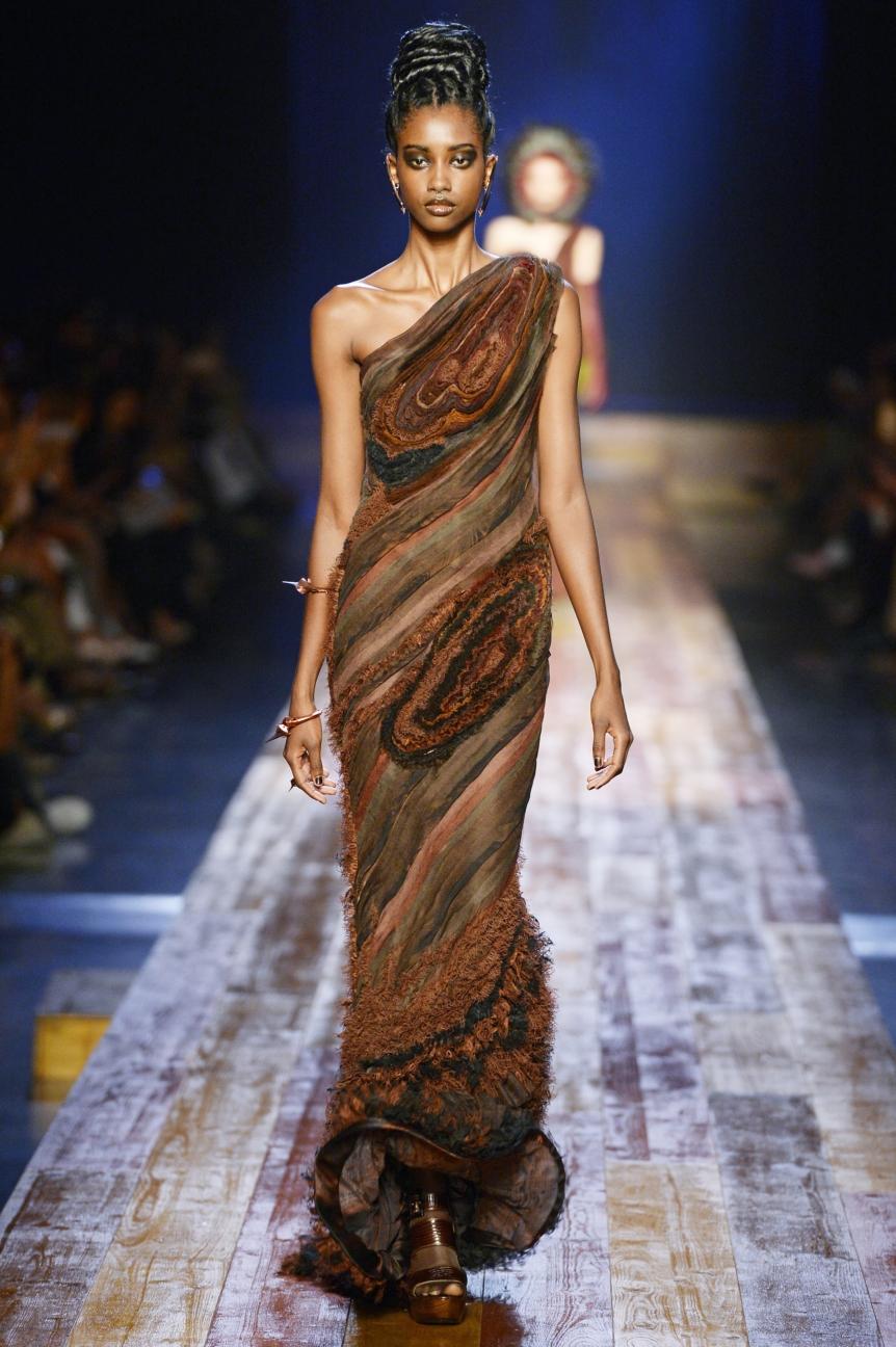 jean-paul-gaultier-haute-couture-aw-16-runway-39