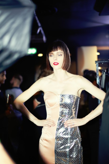 jean-paul-gaultier-paris-fashion-week-spring-summer-2015-backstage-123