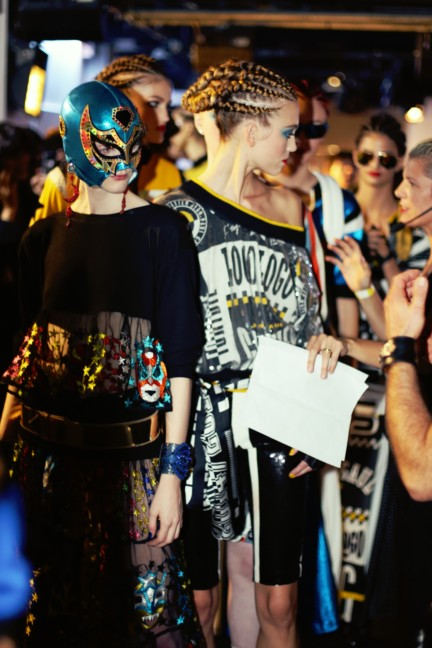 jean-paul-gaultier-paris-fashion-week-spring-summer-2015-backstage-137
