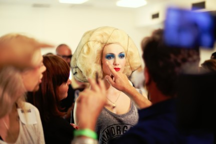 jean-paul-gaultier-paris-fashion-week-spring-summer-2015-backstage-30