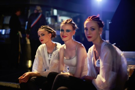 jean-paul-gaultier-paris-fashion-week-spring-summer-2015-backstage-75