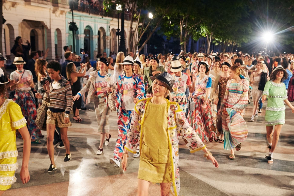 17_cruise-2016-17-collection-finale-pictures-by-olivier-saillant