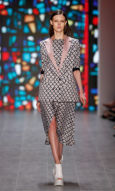mercedes-benz-fashion-week-berlin-spring-summer-2015-kilian-kerner-24