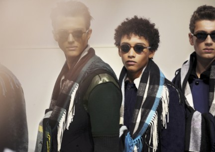 backstage-at-the-burberry-prorsum-menswear-autumn_winter-2015-sho_001