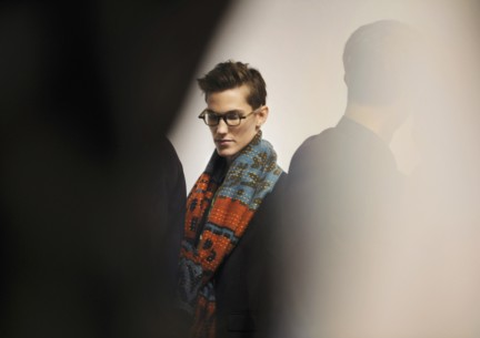 backstage-at-the-burberry-prorsum-menswear-autumn_winter-2015-sho_002