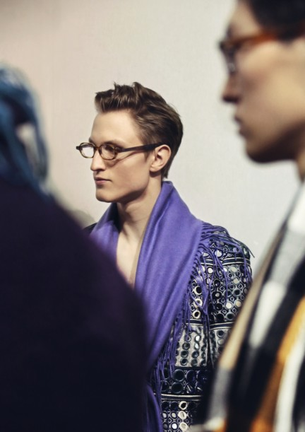 backstage-at-the-burberry-prorsum-menswear-autumn_winter-2015-sho_007