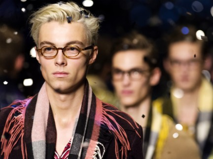 the-burberry-scholar-eyewear-collection-aw15-mw-sho_001