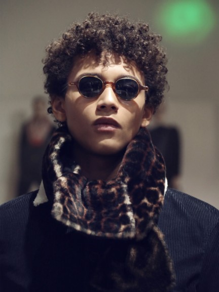 the-burberry-scholar-eyewear-collection-aw15-mw-sho_002