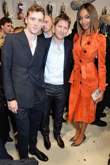 christopher-bailey-george-barnett-and-jourdan-dunn-backstage-at-the-burberry-prorsum-autumn_winter-2015-show