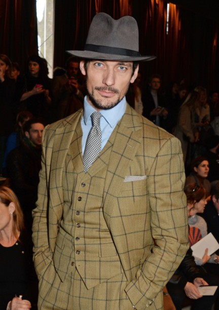 david-gandy-at-the-burberry-prorsum-autumn_winter-2015-sho_001