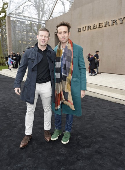 dermot-oleary-and-nick-grimshaw-wearing-burberry-at-the-burberry-prorsum-autumn_winter-2015-sho_001