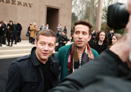 dermot-oleary-and-nick-grimshaw-wearing-burberry-at-the-burberry-prorsum-autumn_winter-2015-sho_002