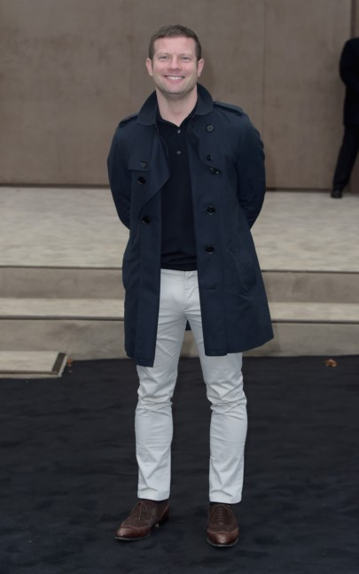 dermot-oleary-wearing-burberry-at-the-burberry-prorsum-autumn_winter-2015-show