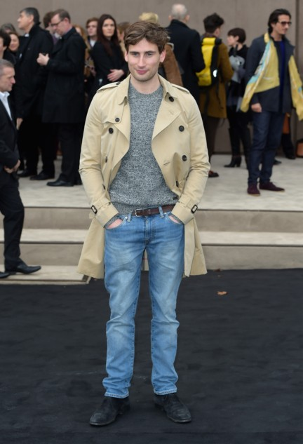 edward-holcroft-wearing-burberry-at-the-burberry-prorsum-autumn_winter-2015-sho_001
