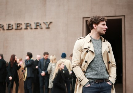 edward-holcroft-wearing-burberry-at-the-burberry-prorsum-autumn_winter-2015-sho_002