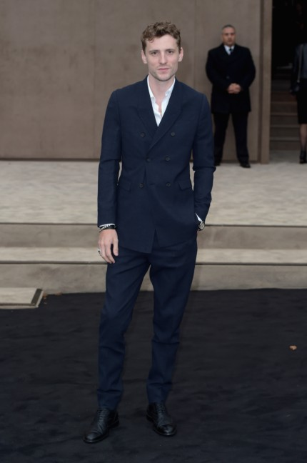 george-barnett-wearing-burberry-at-the-burberry-prorsum-autumn_winter-2015-sho_002