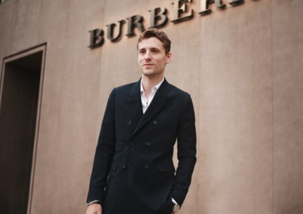 george-barnett-wearing-burberry-at-the-burberry-prorsum-autumn_winter-2015-sho_003