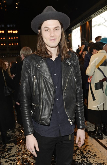 james-bay-wearing-burberry-at-the-burberry-prorsum-autumn_winter-2015-sho_001