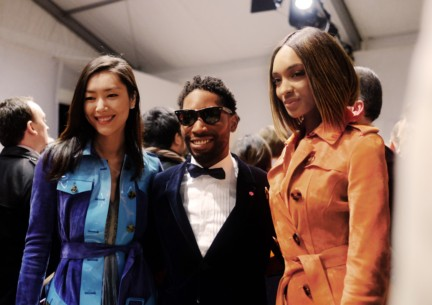 liu-wen-tinie-tempah-and-jourdan-dunn-wearing-burberry-at-the-burberry-prorsum-autumn_winter-2015-show