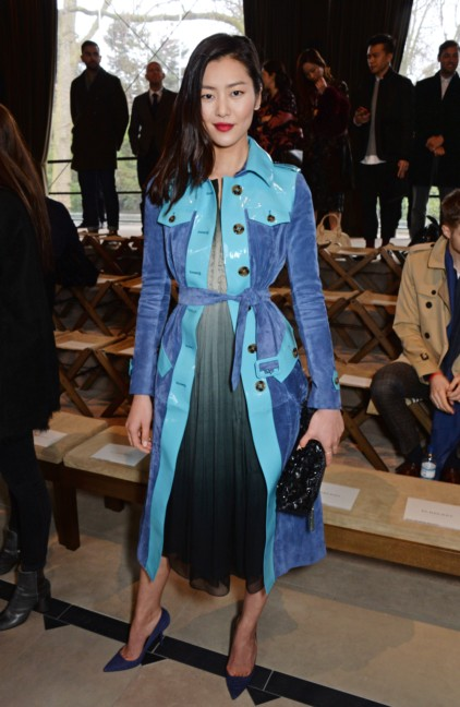 liu-wen-wearing-burberry-at-the-burberry-prorsum-autumn_winter-2015-sho_001