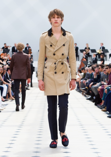 burberry-menswear-spring-summer-2016-collection-look-38