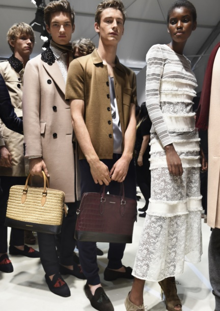 backstage-at-the-burberry-menswear-spring-summer-2016-sho_005