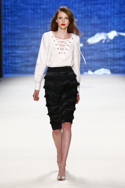 ss-2017_fashion-week-berlin_de_0011_lena-hoschek_66580