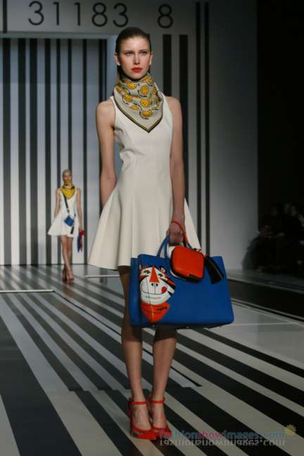 anya-hindmarch-london-fashion-week-autumn-winter-2014-00005