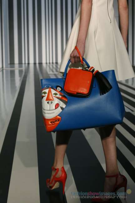 anya-hindmarch-london-fashion-week-autumn-winter-2014-00006