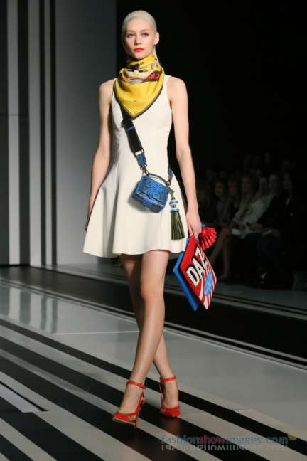 anya-hindmarch-london-fashion-week-autumn-winter-2014-00008