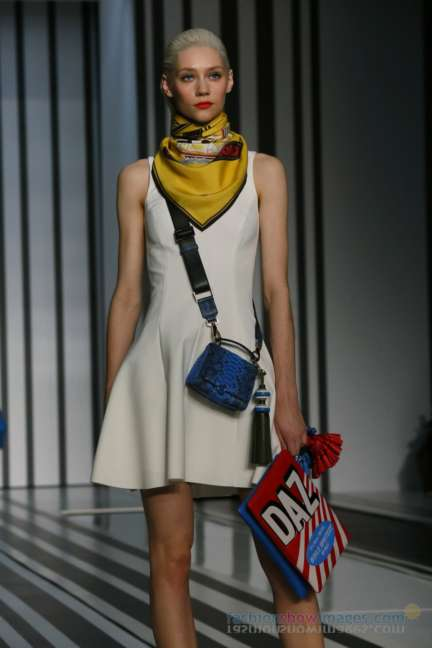 anya-hindmarch-london-fashion-week-autumn-winter-2014-00010