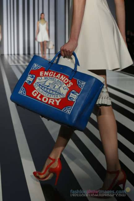 anya-hindmarch-london-fashion-week-autumn-winter-2014-00013