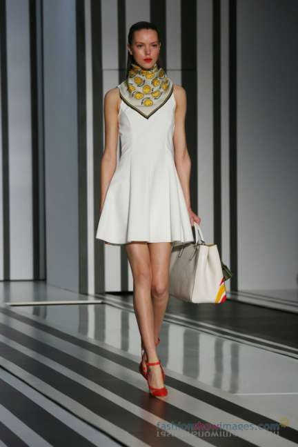 anya-hindmarch-london-fashion-week-autumn-winter-2014-00014
