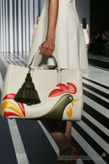anya-hindmarch-london-fashion-week-autumn-winter-2014-00017