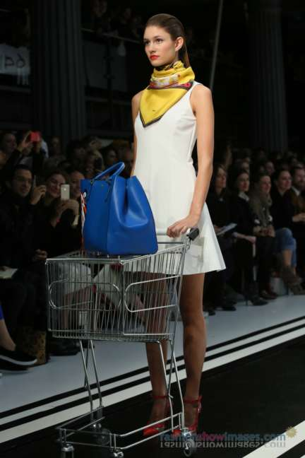 anya-hindmarch-london-fashion-week-autumn-winter-2014-00018