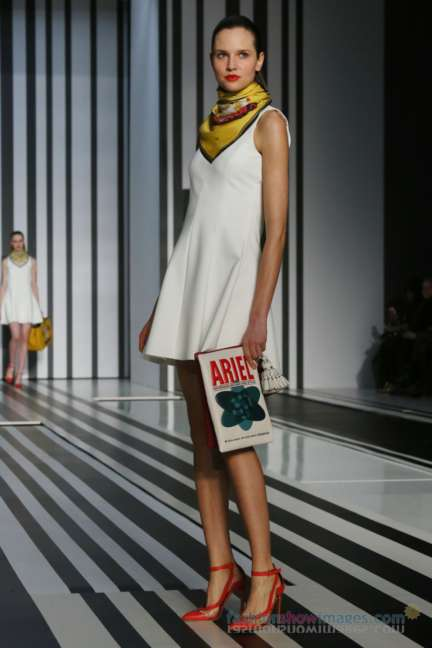 anya-hindmarch-london-fashion-week-autumn-winter-2014-00021