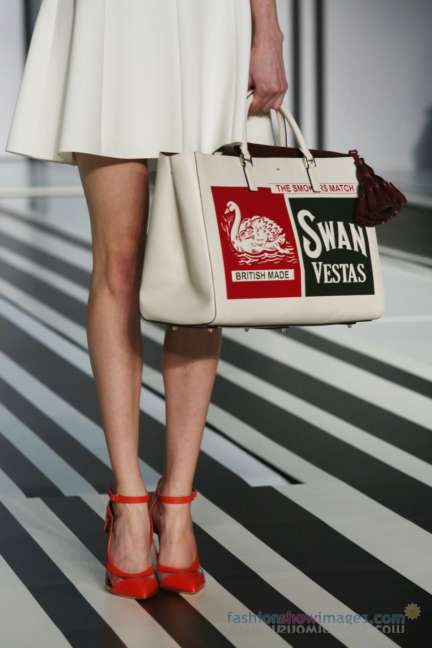 anya-hindmarch-london-fashion-week-autumn-winter-2014-00030