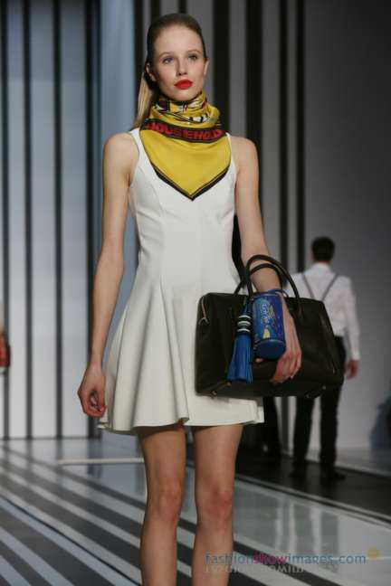 anya-hindmarch-london-fashion-week-autumn-winter-2014-00038